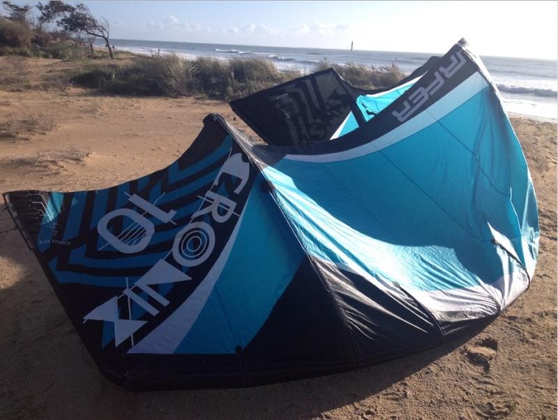 (Vendue) Flysurfer Cronix 10m complète ou nue  Captur13