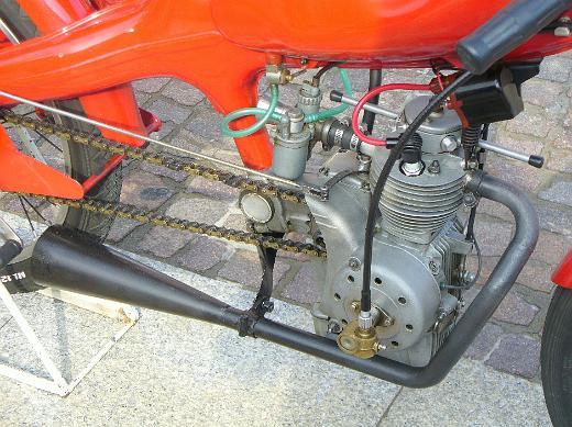 quels moteur sont bridées a 50 kmh ??? 00220m10
