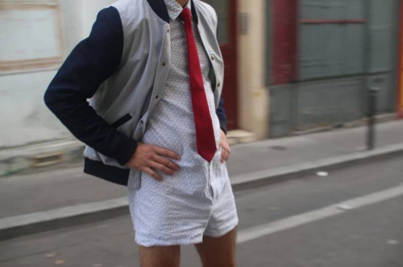 Enfin, la mode évolue pour les mecs ! le Calchemise arrive !! Calche10