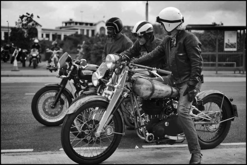 Vieilles photos (pour ceux qui aiment les anciennes photos de bikers ou autre......) - Page 6 11988712