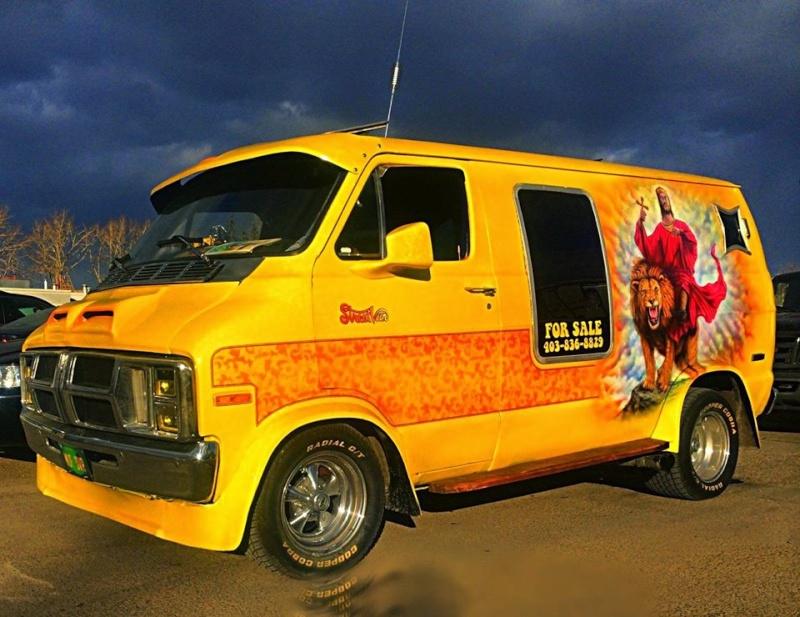 les vans US 12036810