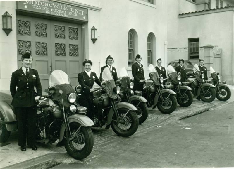 Vieilles photos (pour ceux qui aiment les anciennes photos de bikers ou autre......) - Page 4 12122610