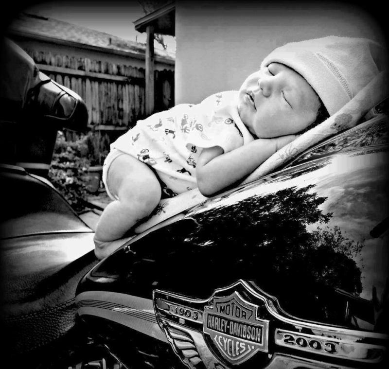 Vieilles photos (pour ceux qui aiment les anciennes photos de bikers ou autre......) - Page 6 15086510