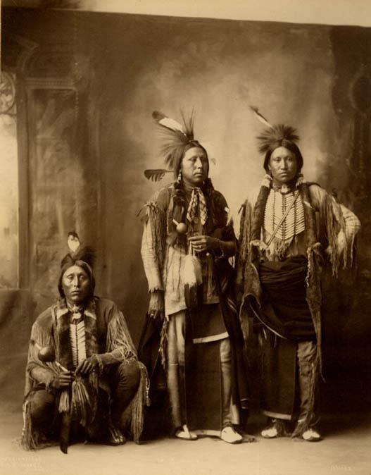 Ici tout sur les Amérindiens bijoux ,histoires ,liens ect...... 52134210
