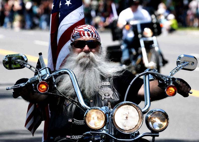 Vieilles photos (pour ceux qui aiment les anciennes photos de bikers ou autre......) Biker-10