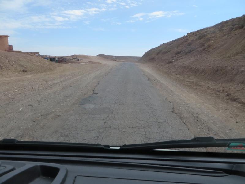 [Carburant, Routes, Police] Route N 9 et  AIT BENHADDOU Maroc_28