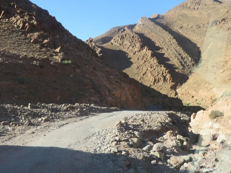 [Carburant, Routes, Police] Route 6837 Talouine jusqu'à la jonction N12 à Kasba el Joua Maroc_37
