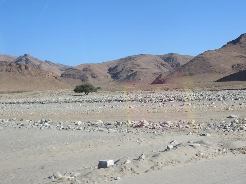 [Carburant, Routes, Police] Route 6837 Talouine jusqu'à la jonction N12 à Kasba el Joua Maroc_38