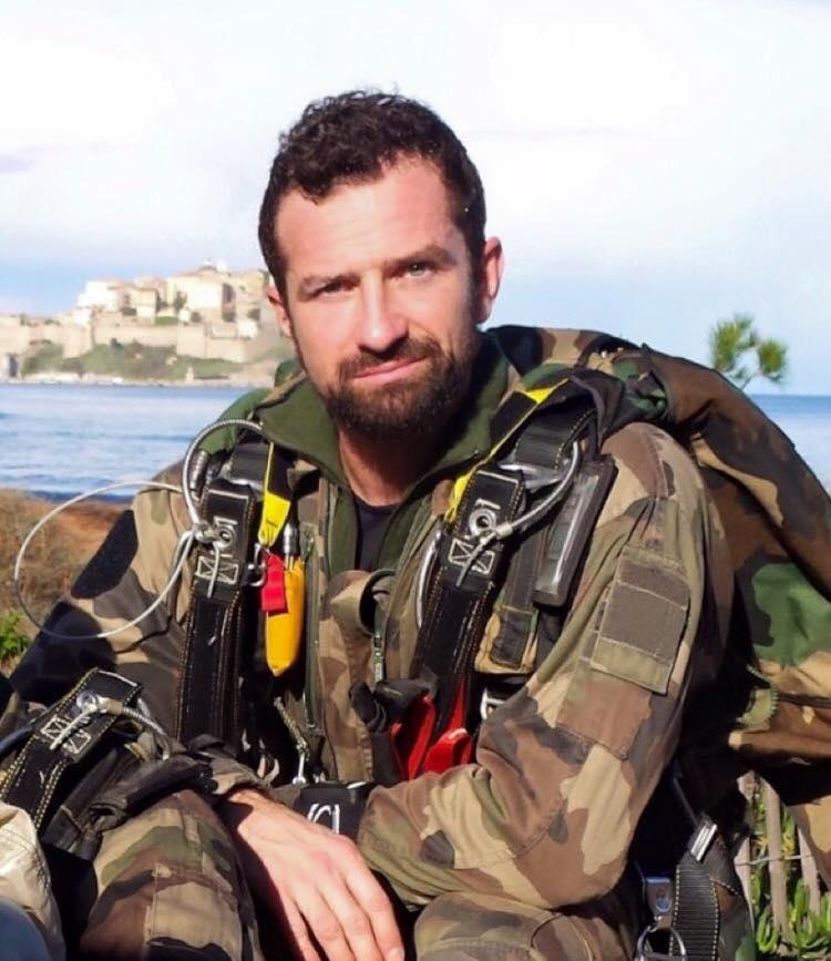 Un soldat français meurt après avoir été blessé au Mali 10486410