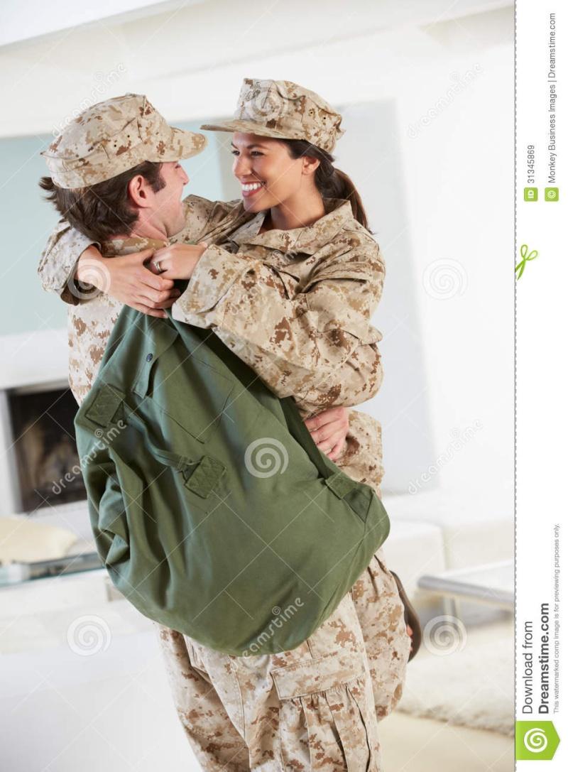 le mois de fevier 2016 ( et donc pour la saint valentin les couples militaires sont a l'honneur!) Couple11