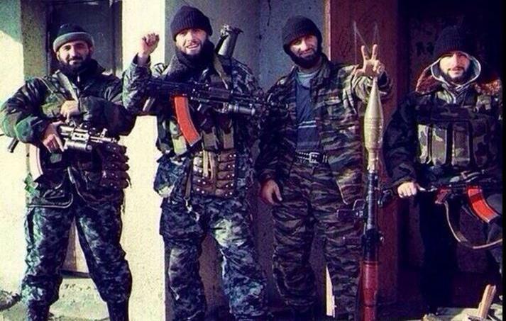 le déploiement militaire russe dévoilé par les selfies de soldats (en Syrie et en Ukraine ) Xvmd3810