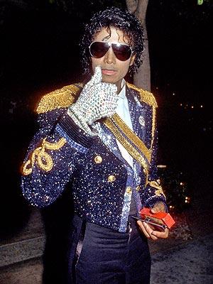 Foto di Michael con abiti eleganti - Pagina 2 Michae17