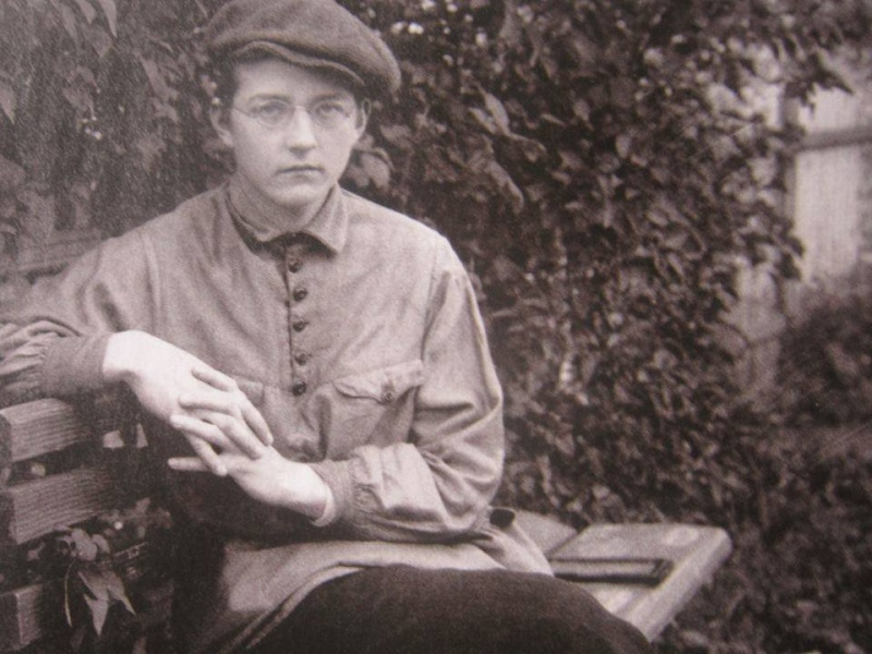 Dmitri Chostakovitch (Shostakovich) (1906-1975) - Page 3 Aiiaau10