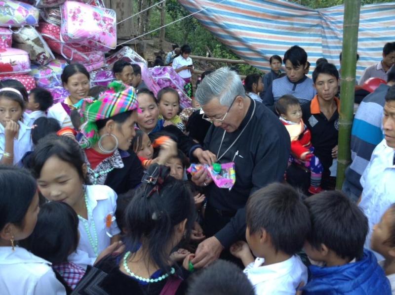 Người Công Giáo H, Mông ở Điên Biên Hmoob Kav Tos liv (Catholic) nyob xeev Dien Bien cob tsib teb - Page 2 10152610