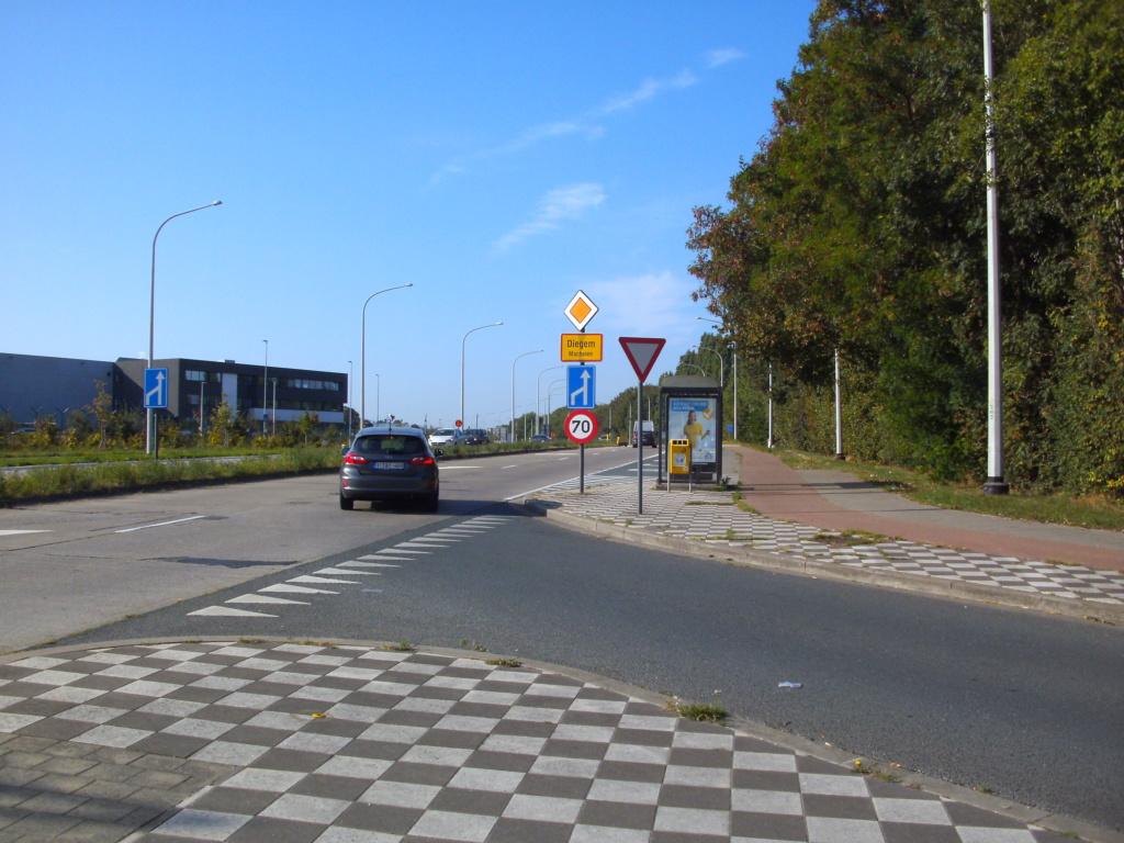 FR20  Luchthavenring 13_die10