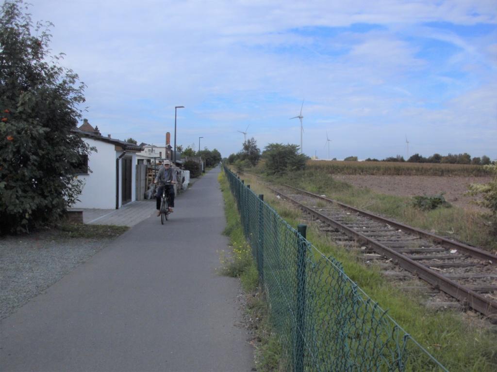 L052 Fietspad langs de lijn 52 (Dendermonde-Boom) F19 Fietssnelweg F19 Baasro10