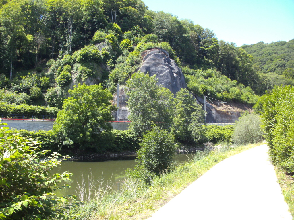 RAVeL 5 Ourthe Liege - Durbuy - Itinéraire N°7 - Sur la route des Ardennes - Page 5 Mery_q11