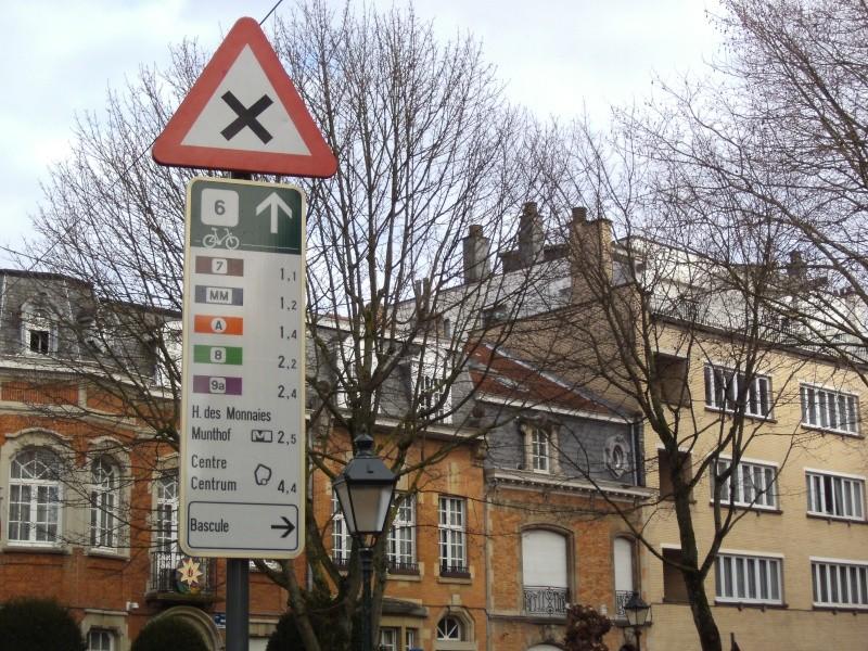 01 Itinéraire N°0 W0 Véloroute des capitales - Partie Bruxelles - La Hulpe (RV10 - EV5) Rue_li10