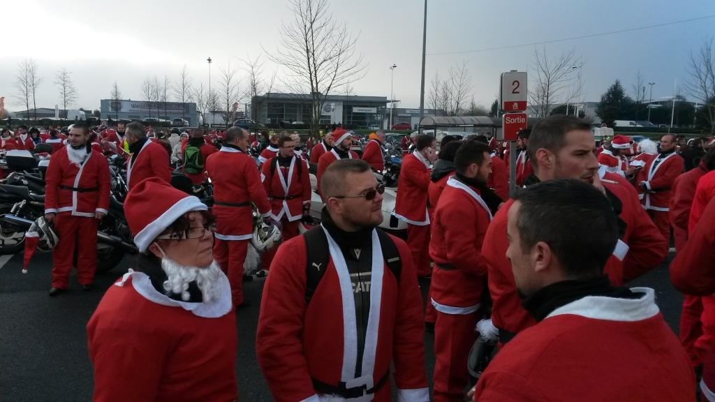 Balade des pères Noel (Tours 37) Balade13