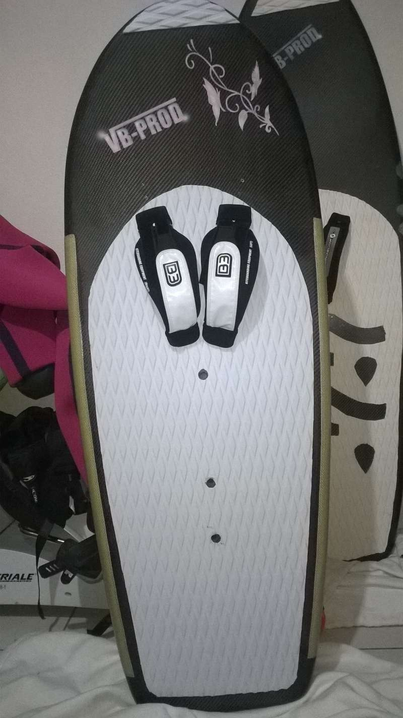 Cherche Board volumineuse avec boitier tuttle Wp_20115