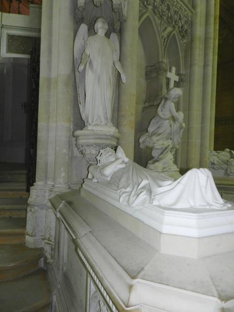 Dreux , chapelle royale St Louis 12495010