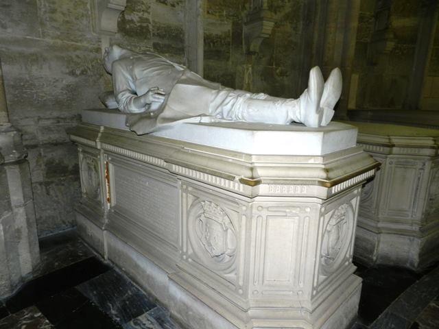 Dreux , chapelle royale St Louis 12507413