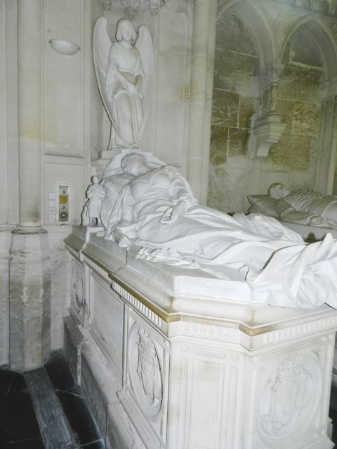 Dreux , chapelle royale St Louis 12509613