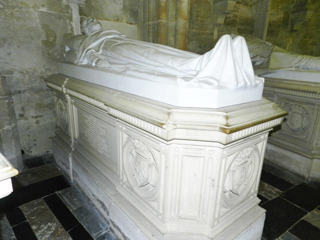 Dreux , chapelle royale St Louis 12509812