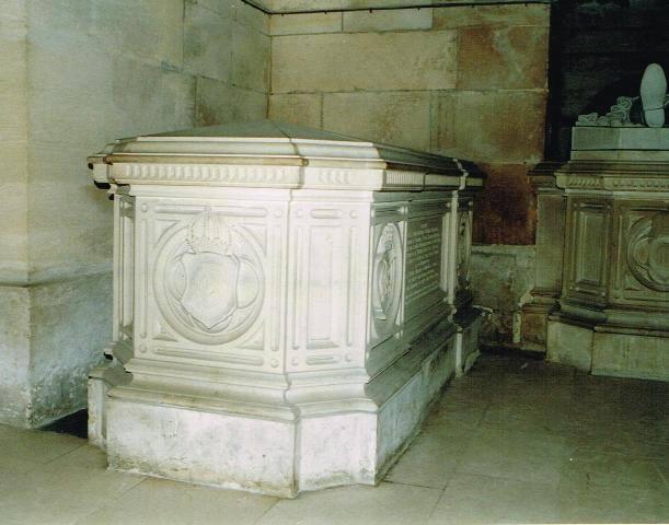 Dreux , chapelle royale St Louis 12509813