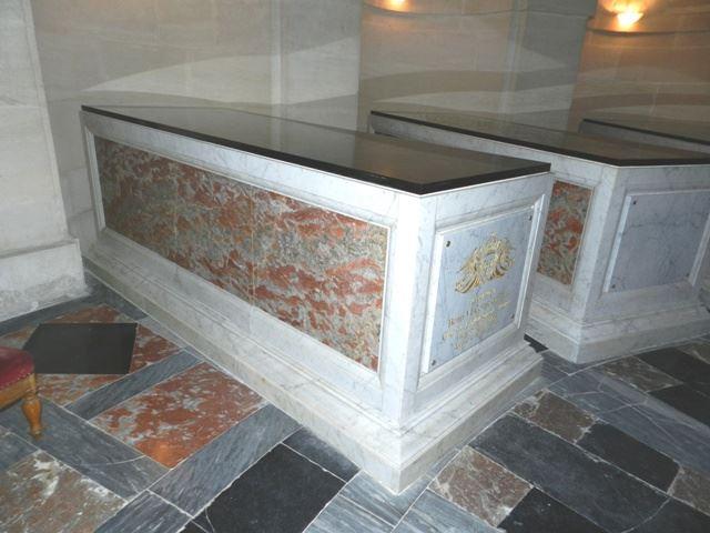 Dreux , chapelle royale St Louis 12510510