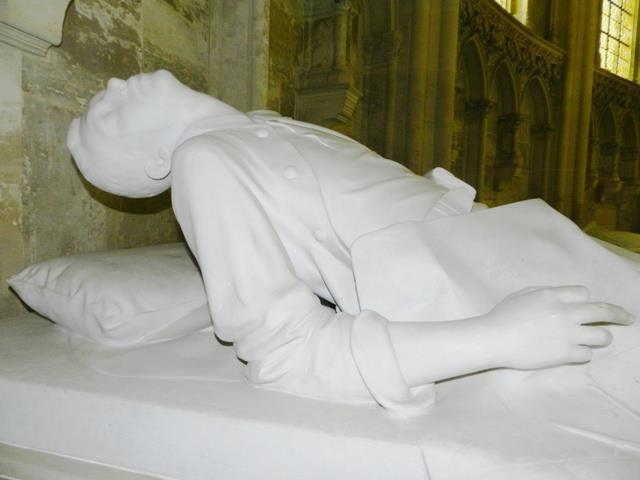 Dreux , chapelle royale St Louis 12548913