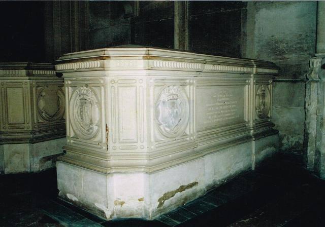 Dreux , chapelle royale St Louis 12549110