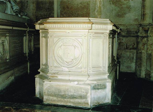 Dreux , chapelle royale St Louis 94613910