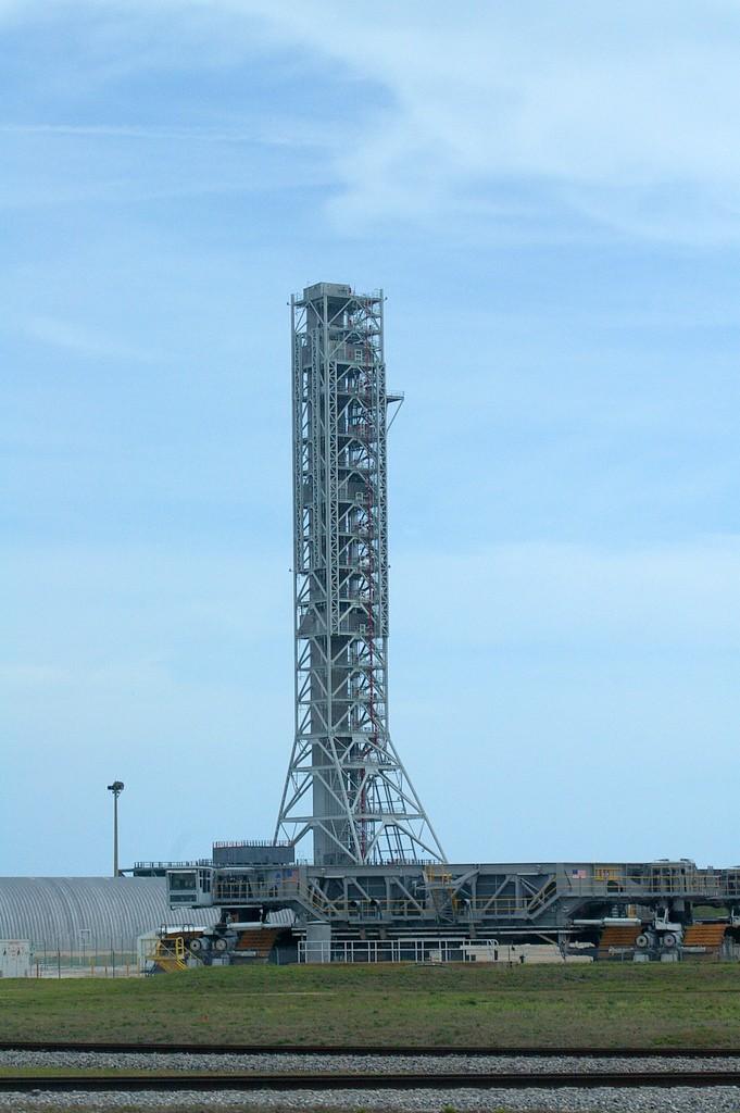 Un fulmine sfiora lo Shuttle sul pad - danni ? Imgp1210