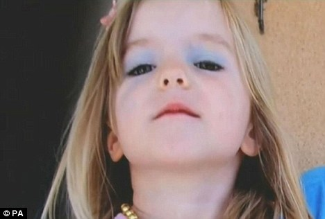 McCanns new video: Maddie plays dressing-up, weeks before she vanished Articl10