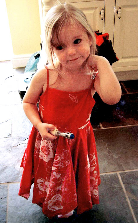 McCanns new video: Maddie plays dressing-up, weeks before she vanished Madele10