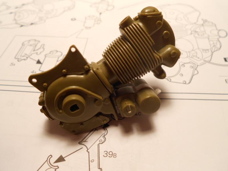 triumph - Triumph 3HW 350 cc. Italeri 1/9. Dscn5329