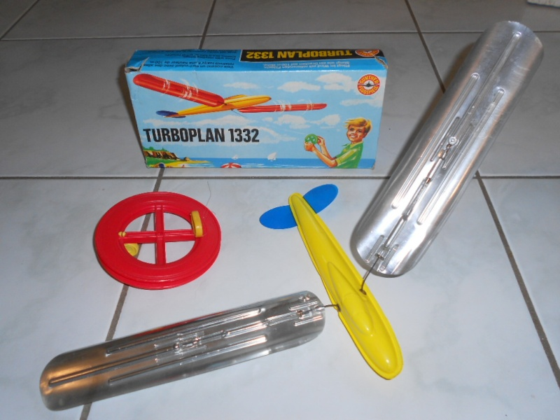 Gunther Flug-Spiele (jouets volants) Dscn5332