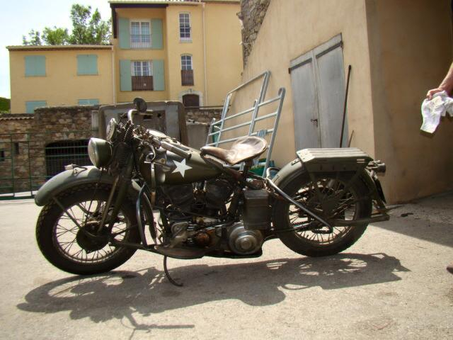 Les vieilles Harley....(ante 84) par Forum Passion-Harley - Page 22 10941311
