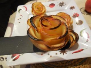 rose apple une autre façon de faire des tartelettes aux pommes Dscn0425
