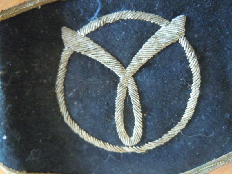 brassard et insigne milice française Dscn0011