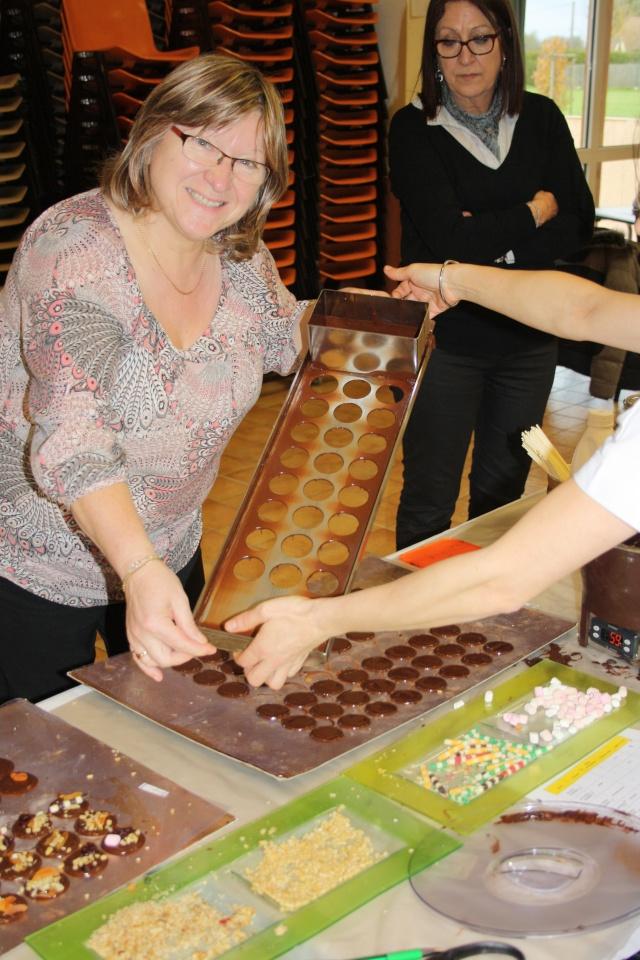 Jocelyne - novembre 2015 - Cuisine (foie gras et chocolat) et atelier cartes et boites papier 04110