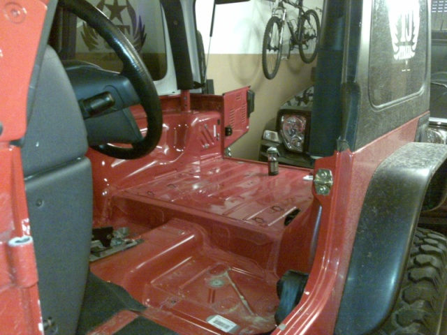 New Project: CARONTE is in progress...rivestimento interno scocca tipo pick up 14052011