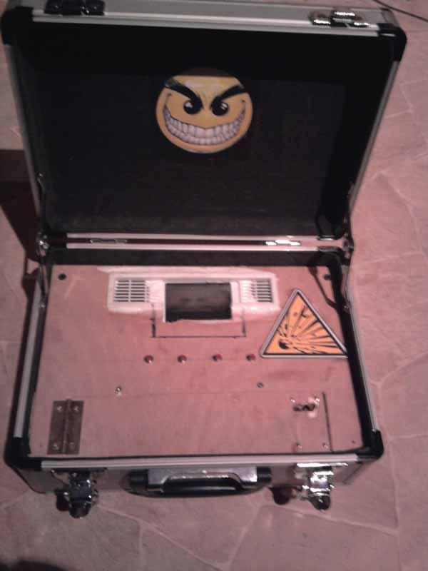Bombe à minuteur et code de désamorçage Photo011