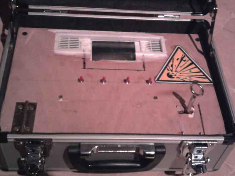 Bombe à minuteur et code de désamorçage Photo012