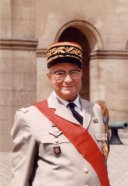COMPAGNON Jean-général-figure 2e DB-CDC 1er RHP-commanda la 11e Division Parachutiste-Historien 411px-10