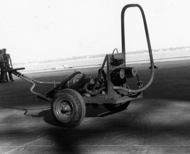 [La spécialité de...] Mécanicien aéronautique (Sujet unique) - Page 3 An8011