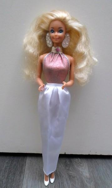 Les Barbie d'Anubislebo - Page 7 Sam_3410