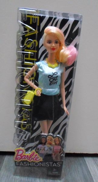 Les Barbie d'Anubislebo - Page 7 Sam_3415