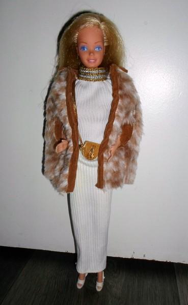 Les Barbie d'Anubislebo - Page 7 Sam_3463